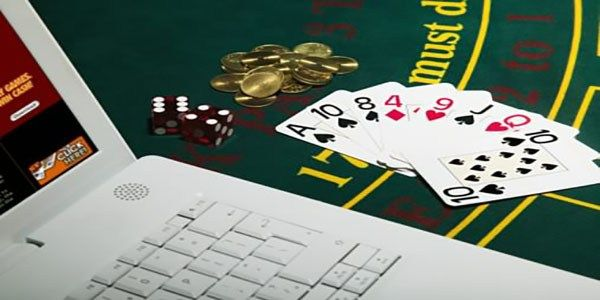 Online Domino Player