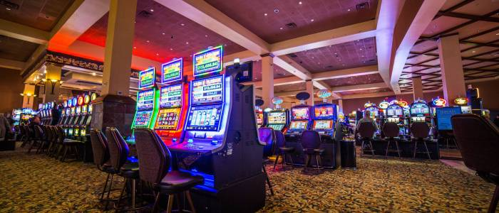 How to play with online slot machines