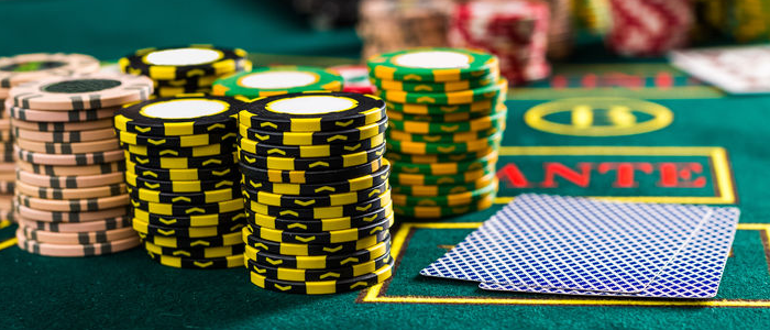 Betting in online poker games