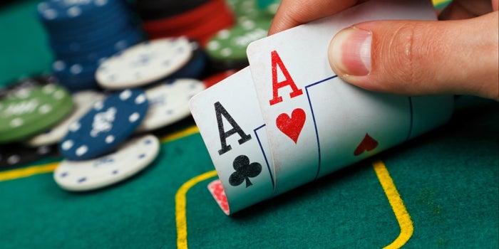 Online Poker in a Balanced Way