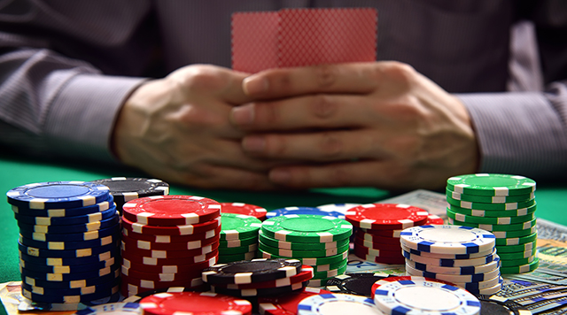 Why More People Play Online Poker